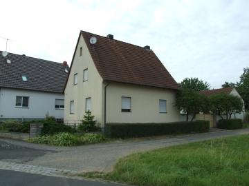 Auf Tuchfühlung mit der Natur, 97490 Poppenhausen, Einfamilienhaus