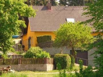 Einfamilienhaus mit Einliegerwohnung und 3 Garagen!, 97508 Grettstadt Untereuerheim, Einfamilienhaus
