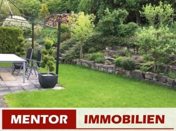 Großzügiges Einfamilienhaus mit Einliegerwohnung und Doppelgarage, 97729 Ramsthal, Doppelhaushälfte