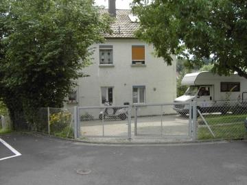 Familienfreundliches Einfamilienhaus in sehr guter Stadtlage, 97493 Bergrheinfeld, Reihenmittelhaus