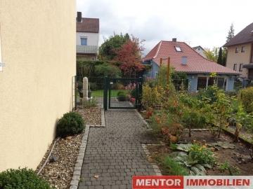 Renoviertes Reihenendhaus mit Garten und Garage!, 97525 Schwebheim, Einfamilienhaus