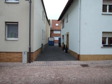 Anwesen mit zwei Eigentumswohnungen, 97717 Euerdorf, Zweifamilienhaus