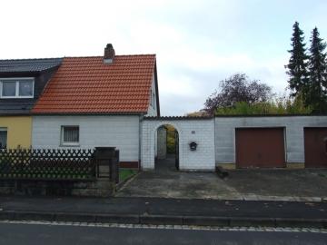 Siedlungshaus mit attraktivem Garten (renovierungsbedürftig), 97421 Schweinfurt, Einfamilienhaus