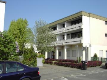 Moderne Wohnung mit riesigem Balkon, 97456 Dittelbrunn, Etagenwohnung