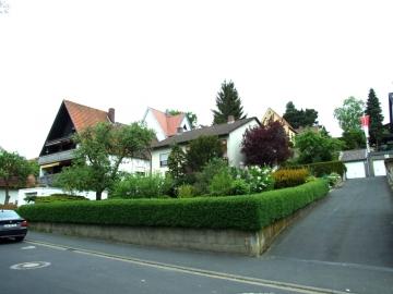 Freistehendes Einfamilienhaus (ELW mögl.) – nur 100 Meter von der Stadtgrenze SW-Eselhöhe entfernt., 97422 Schweinfurt, Einfamilienhaus