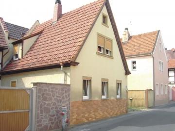Älteres Wohnhaus in Gochsheim, 97469 Gochsheim, Einfamilienhaus