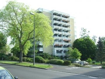 Gepflegte Dreizimmerwohnung im beliebten SW-Hochfeld!, 97422 Schweinfurt Hochfeld, Etagenwohnung