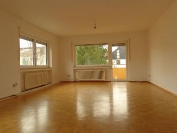 Renovierte Wohnung mit Einbauküche, Balkon und Einzelgarage!, 97421 Schweinfurt Musikerviertel, Etagenwohnung