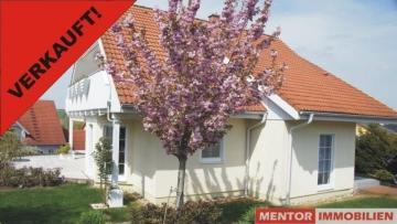 Neuwertig – modern – großzügig, 97523 Schwanfeld, Einfamilienhaus