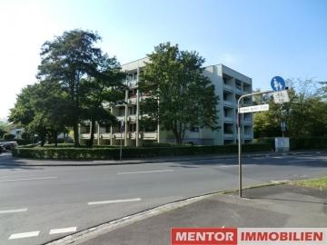 Geräumige Wohnung mit großem Balkon und Garage!, 97422 Schweinfurt Hochfeld, Etagenwohnung