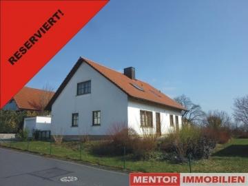 Sehr gepflegtes Haus in ruhiger Ortsrandlage, 97456 Hambach, Einfamilienhaus