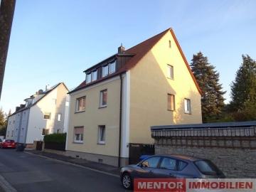 Modernisierte DG-Wohnung mit Gartenmitbenutzung, 97424 Schweinfurt, Dachgeschosswohnung